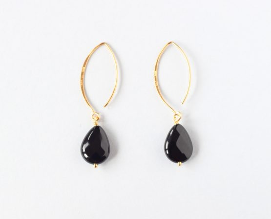 black onyx tear drop earring