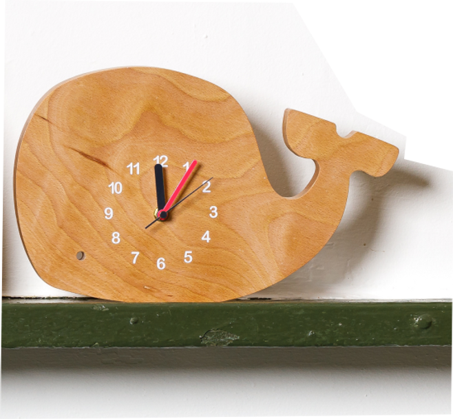 handmade_wooden_clock_in_shape_of_whale